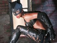 Catwoman (Halle Berry) 5