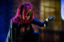 Batwoman grapple gun