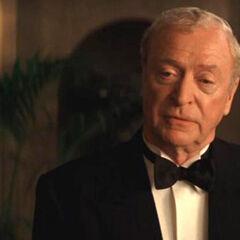 Alfred Pennyworth en Batman Begins