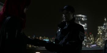 Batwoman - Jacob y Batwoman hacen un acuerdo