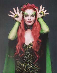 Poison Ivy (Uma Thurman) 16