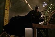Batman-Begins-Immagini-dal-film-3 mid