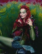 Poison Ivy (Uma Thurman) 25