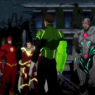 Green Lantern le habla al equipo.