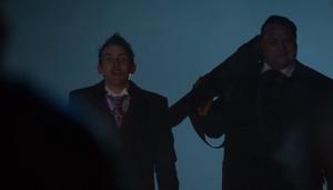 Butch y el Pingüino acaban con Galavan