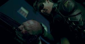 Titans - Robin ataca con gran violencia