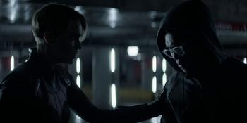 Batwoman - Kate le cuenta la verdad a Luke