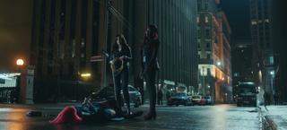 Titans - Donna y Kory detienen a Shimmer
