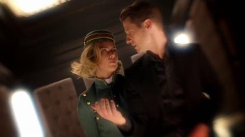 Gordon toma un viaje psicodélico con Barbara Kean.