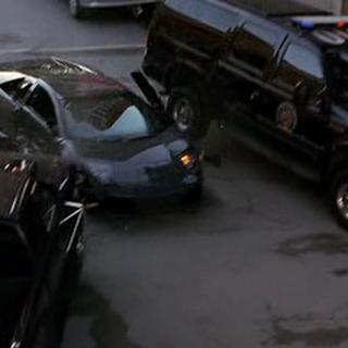 Bruce Wayne salva la vida de su trabajador.