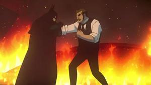 Batman y Gordon pelean entre las llamas