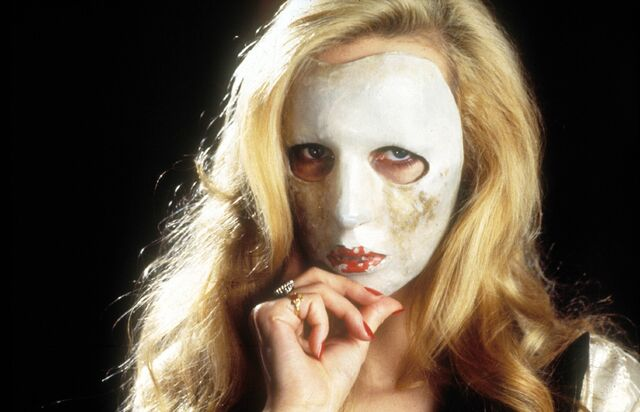File:Masked Alicia.jpg