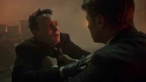Gotham - Gordon acusa al Pingüino de la explosión