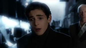 Bruce revive el asesinato de sus padres