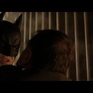 Batman se enfrenta a Falcone.