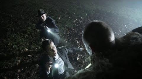 Harvey y Gordon reciben un aterrador mensaje de parte del Espantapájaros