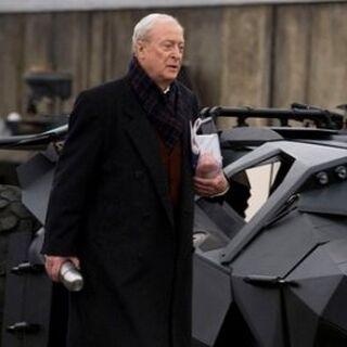 Alfred junto al Tumbler