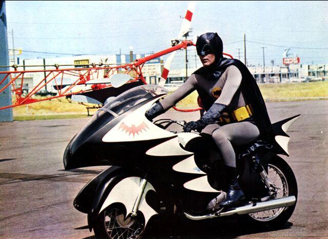 File:BatmanBatcycle.jpg