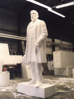 FounderSculpture