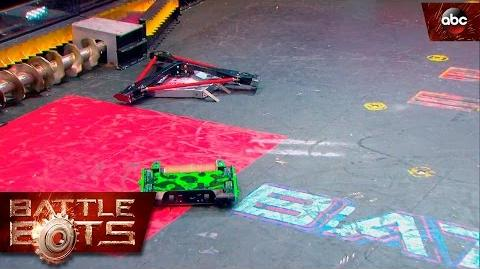 Son of Whyatchi vs. Poison Arrow - BattleBots