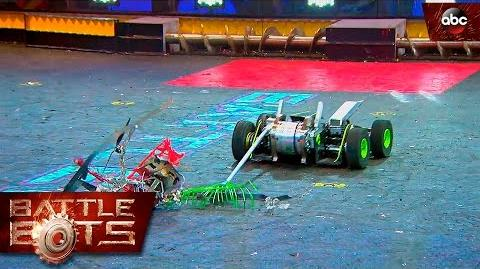 Hypershock vs. Warrior Clan - BattleBots