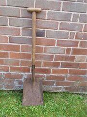450px-Aa shovel01