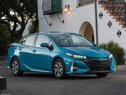 Toyota-Prius Prime-2017-1600-04