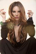 Belinda Peregrin2