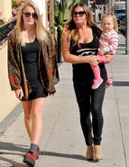 Nicole and her daughters