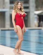 Nicole Eggert-Splash