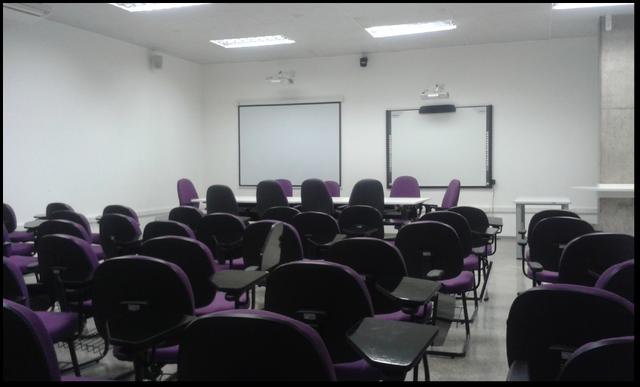 File:Sala multimídia2.png
