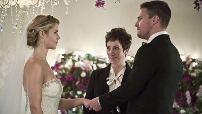 Here's Every 'Arrow' Photo of Felicity and Oliver's Wedding