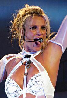 Britney-Spears-Vegas-July-13-2016