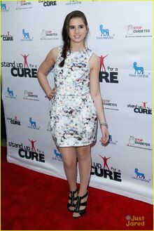Carly-rose-sonenclar-stand-up-cure-02