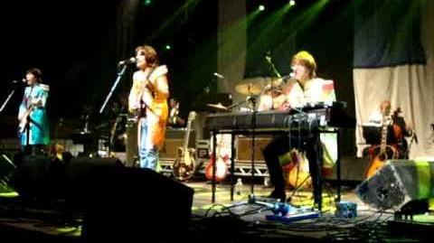 Bootleg Beatles at Glastonbury, 25 06 10, Sgt. Pepper
