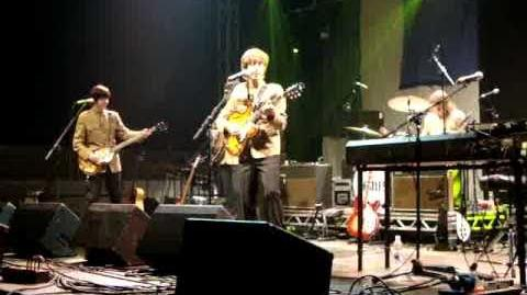 Bootleg Beatles at Glastonbury, 25 06 10, Help!