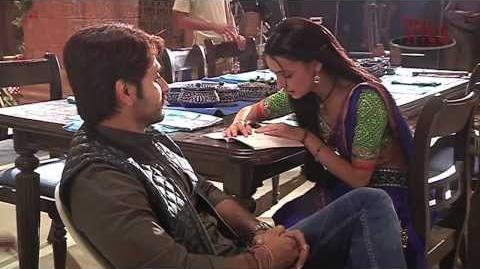 Sanaya reads funny Hindi - Behind the Scenes of Rangrasiya
