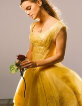 New-pic-of-Emma-Watson-from-Beauty-and-the-Beast-beauty-and-the-beast-2017-41518434-922-1200