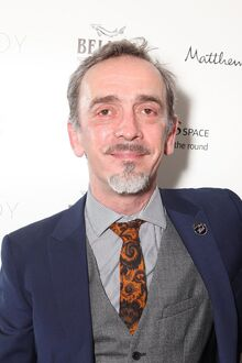 Adrian-Schiller-Monsieur-DArque