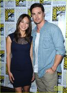 Kristin-Kreuk-Jay-Ryan-Beauty-the-Beast-at-Comic-Con