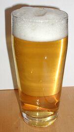 Helles im Glas-Helles (pale beer)