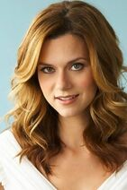 Hilarie-burton-mobile-wallpaper