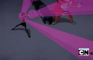 Gwen lanzando muchos ataques xD