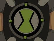 Omnitrix con la cara verde claro