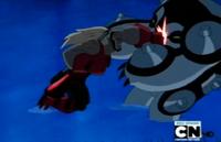Cannonbolt Supremo atacado por Sunder