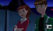 Ben y Gwen sonriendo y hablando