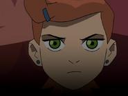 Gwen con el pelo parado