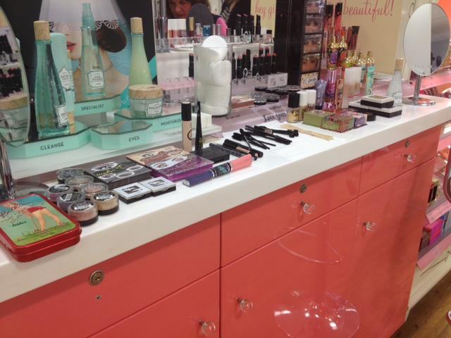 File:Space Party Make Up Event Photo 1.jpg