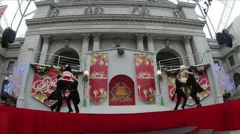 Under the Mistletoe Starring Marilyn Monroe and Betty Boop @ Universal Studios Singapore
