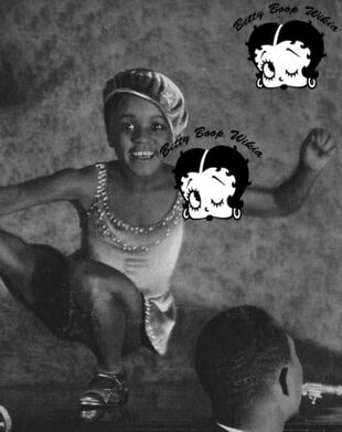 Black History Month Baby Esther Jones In Paris In 1929 Photoplay (4)